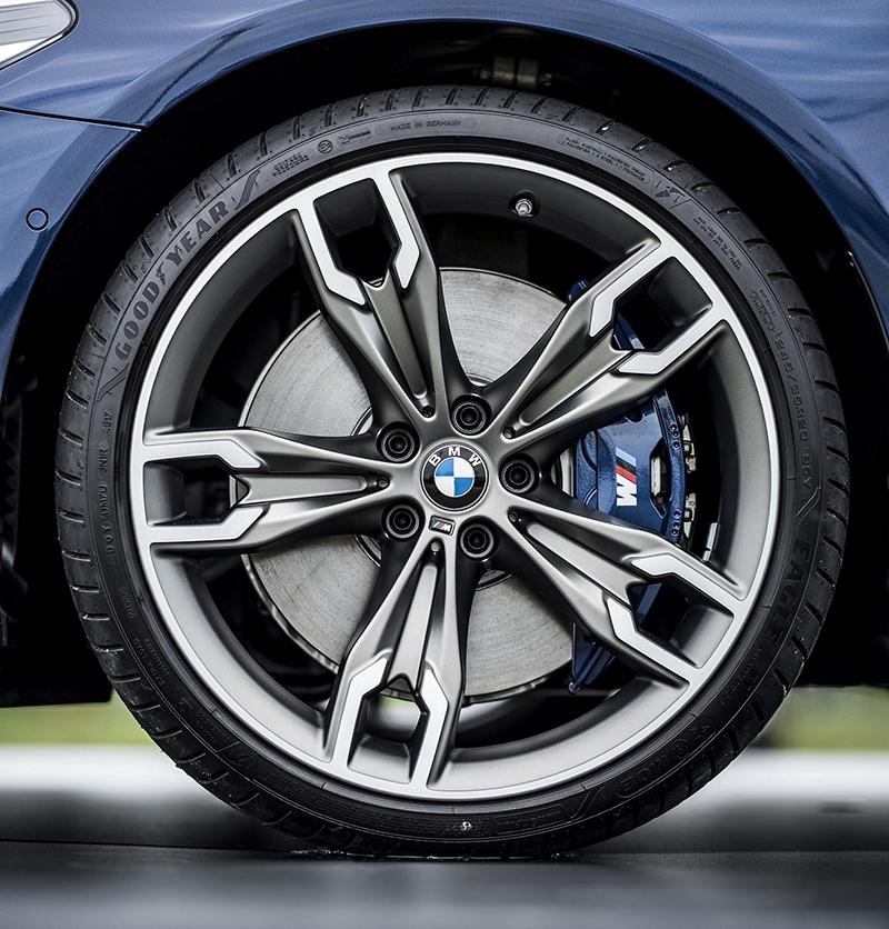 諸多細節設計強調俄著全新BMW M550d xDrive Touring傲視對手的運動性能。