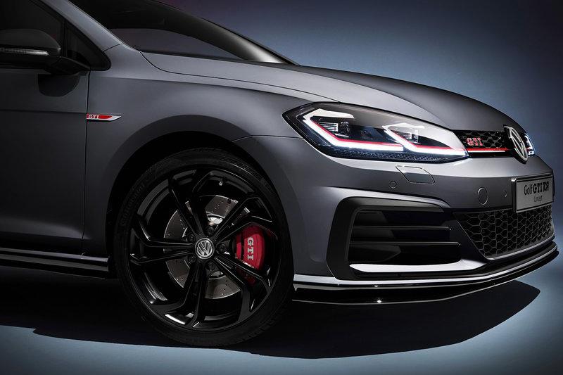 更大的前下巴與煞車系統不只漂亮,而且有實際功效。