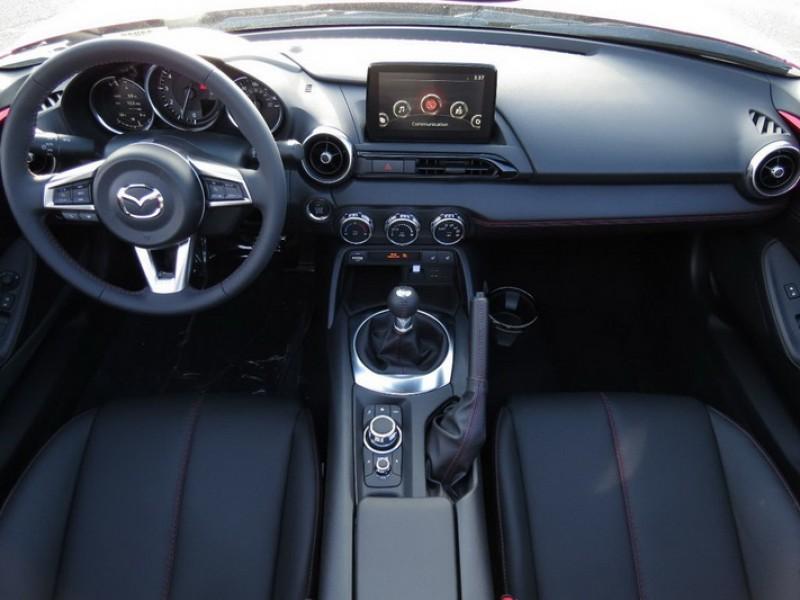 雖然Mazda Taiwan並未提供手排選項,不過仍能透過貿易商代理引進