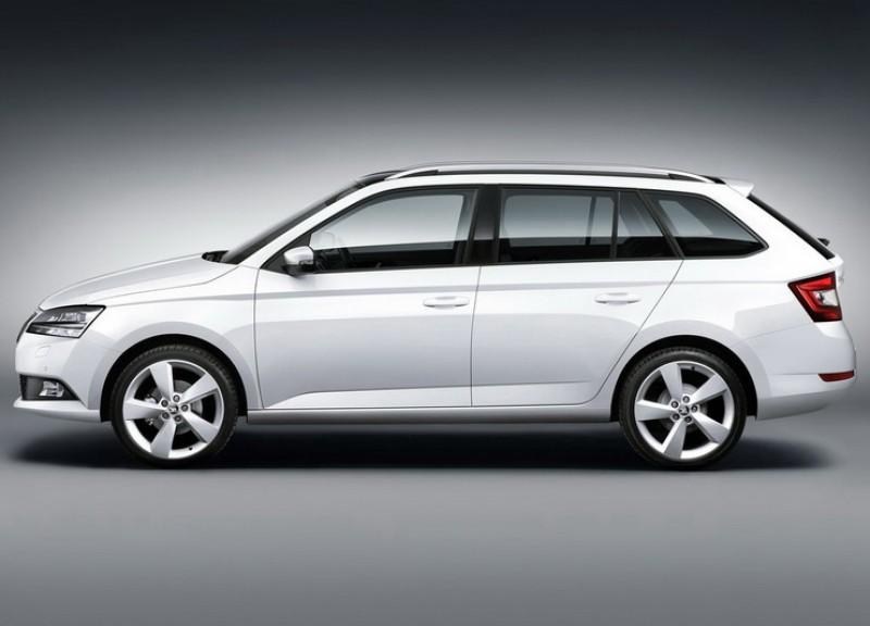 與四門版同樣保有相同的軸距下車長硬是增加至4257mm