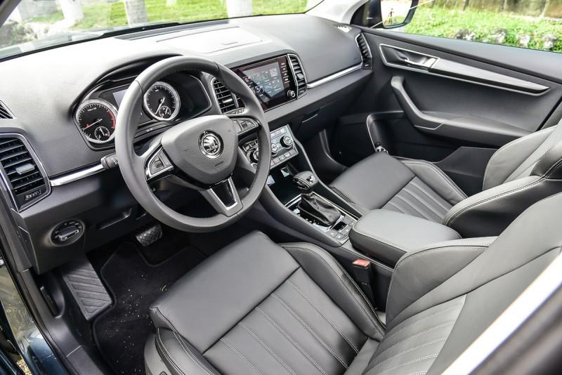 細膩的中央觸控螢幕以及立體化座椅都是車內不容錯過亮點