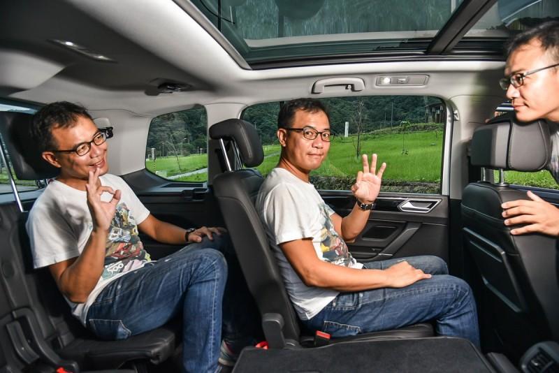 比起SUV,MPV先天架構更適合7人座設定