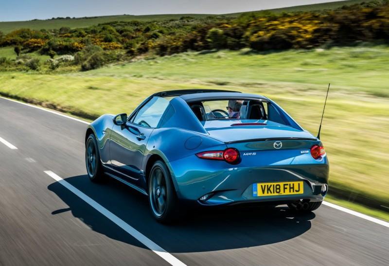 前中置引擎、後輪驅動、低重心的搭配下帶來無與倫比的駕馭樂趣