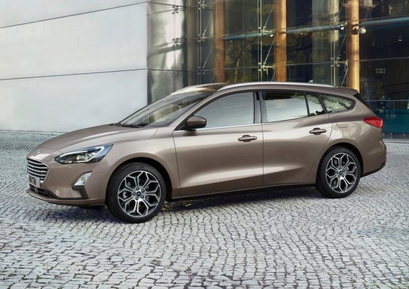 Ford Focus Wagon這類的平價中小型五門旅行車是國內目前所欠缺的