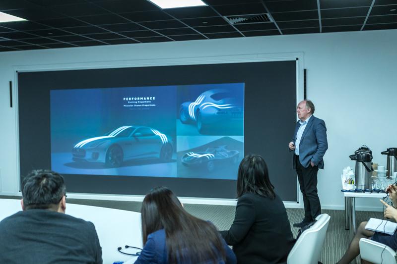 Jaguar設計總監Ian Callum則介紹品牌定位與設計重點。