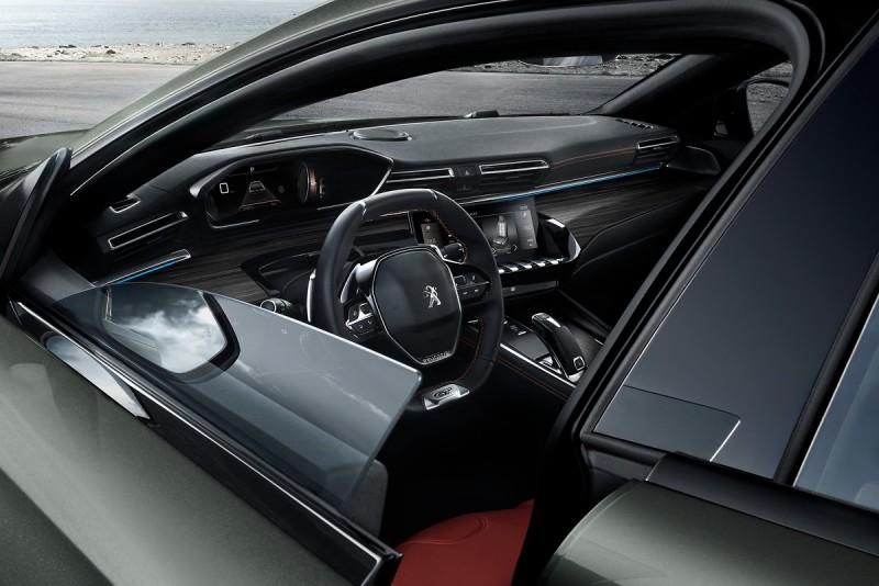 無窗框車門式此世代508車系最大亮點