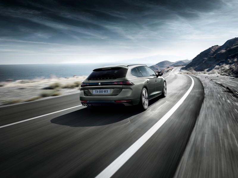 同樣用EMP2平台Peugeot 508 SW更引入新式車身焊接技術,並透過使用24 公尺長的結構粘合劑來增強車身剛性