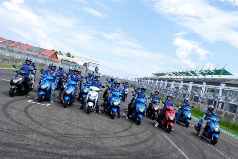 滿滿Swish125 大鵬灣賽車場初登場。