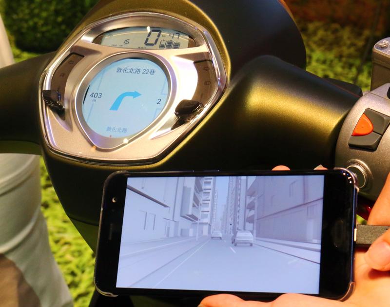 New Many 110 EV Noodoe導航版配備Noodoe智慧儀表,騎士不僅能展現個人風格,還能擁有專為騎士量身設計的革命性Noodoe Navigation車聯網騎乘導航功能。