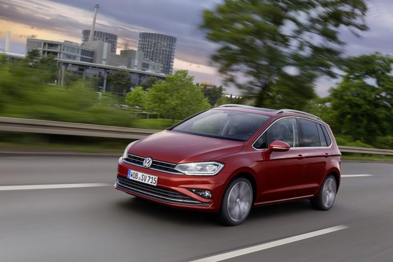 Volkswagen稱霸「2018國際引擎大獎」冠軍,Golf Sportsvan 230 TSI Comfotline搭載1.0 TSI三缸渦輪增壓引擎,具有媲美傳統2.0自然進氣引擎的扭力輸出。