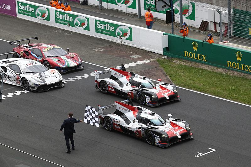 最終LMP1組別兩輛Toyota賽車各以388圈(8號車)以及386圈(7號車)的成績通過終點,贏得本次利曼的冠亞軍。