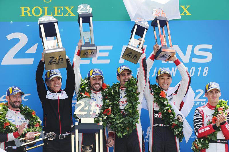 8號車由現役兩屆F1世界冠軍Fernando Alonso以及前F1車手中嶋一貴與Sébastien Buemi駕駛。