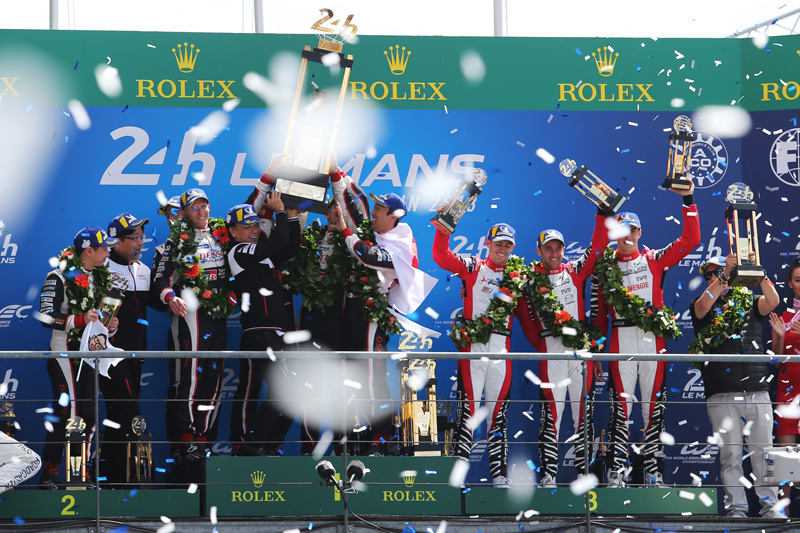 前前後後參與Le Mans大賽約30年,Toyota終於站上了頒獎台的最高點。