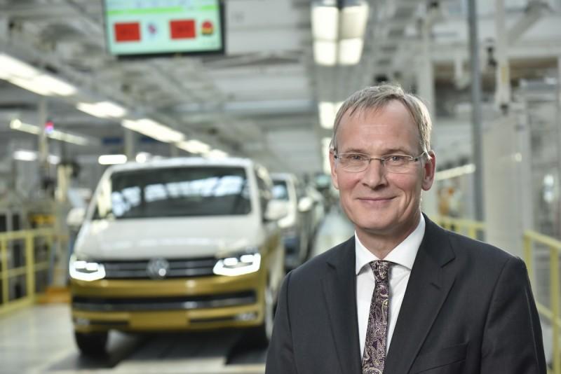福斯商旅董事會主席Eckhard Scholz博士日前在慶祝活動感謝客戶始終如一的支持以及全體員工的高效率和努力。