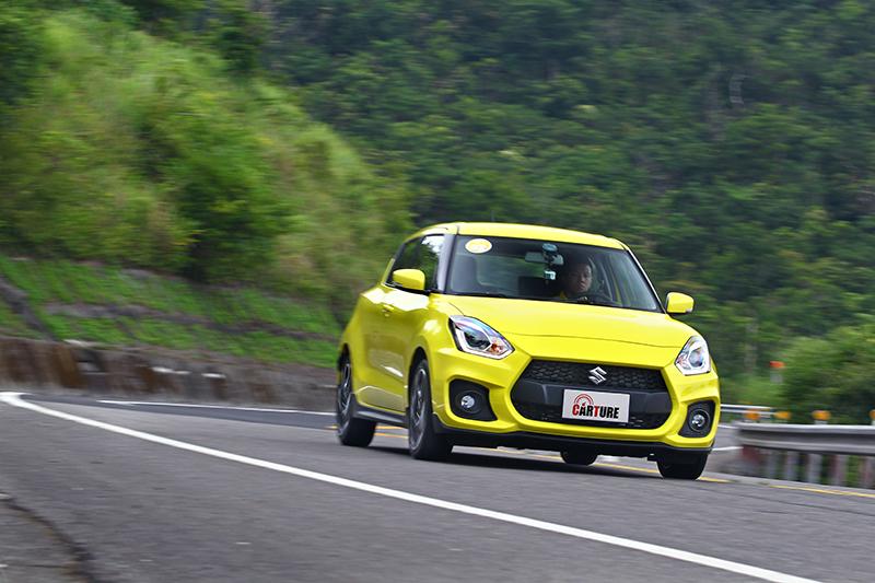 新款Swift Sport過彎穩定性與服貼性都比前代進步許多。
