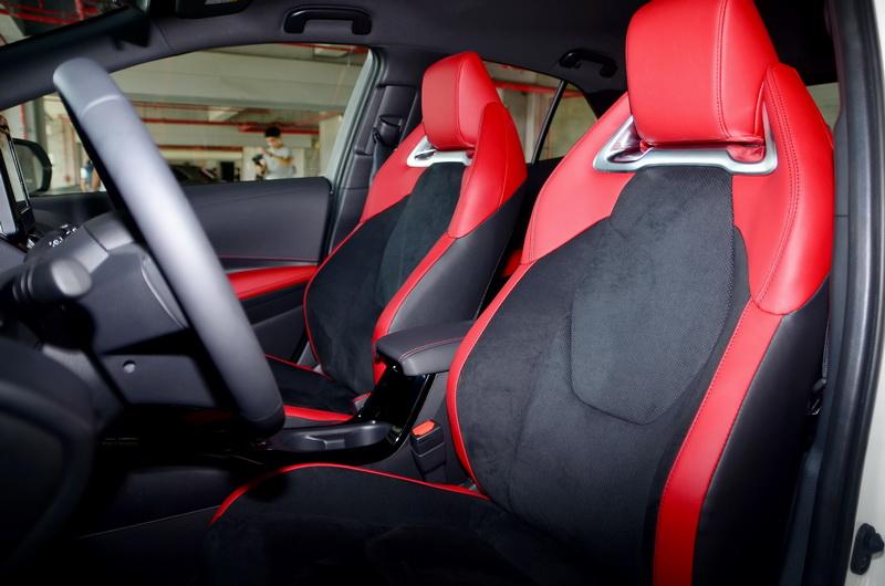 這次還提供黑、紅兩種內裝配色供車主自由搭配