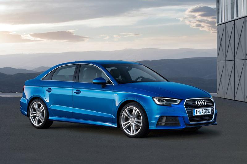 Audi A3 Sedan 35TFSI雖然售價僅需156萬元,但車長足足比ES 200短了半公尺,軸距也少了23公分!
