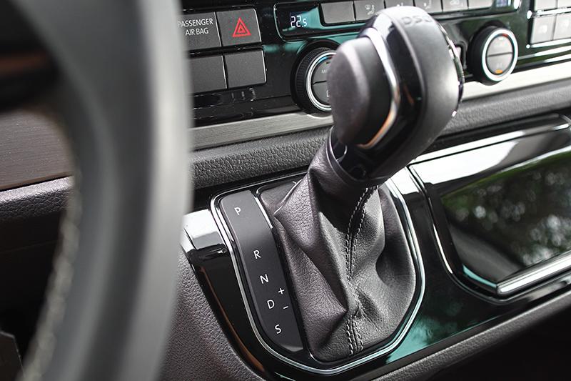 Volkswagen Multivan搭載七速DSG自手排變速系統,因而成就14.1km/L的優異平均油耗。