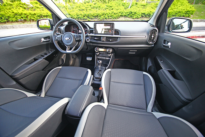座艙設計四平八穩,整體觀感算是討喜。