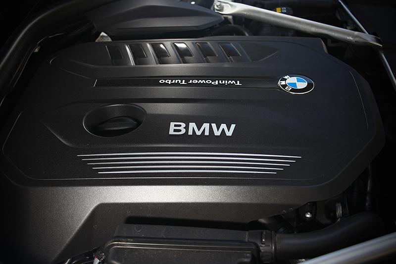 直列六缸3.0升渦輪增壓汽油引擎擁有326hp與45.9kg-m輸出。
