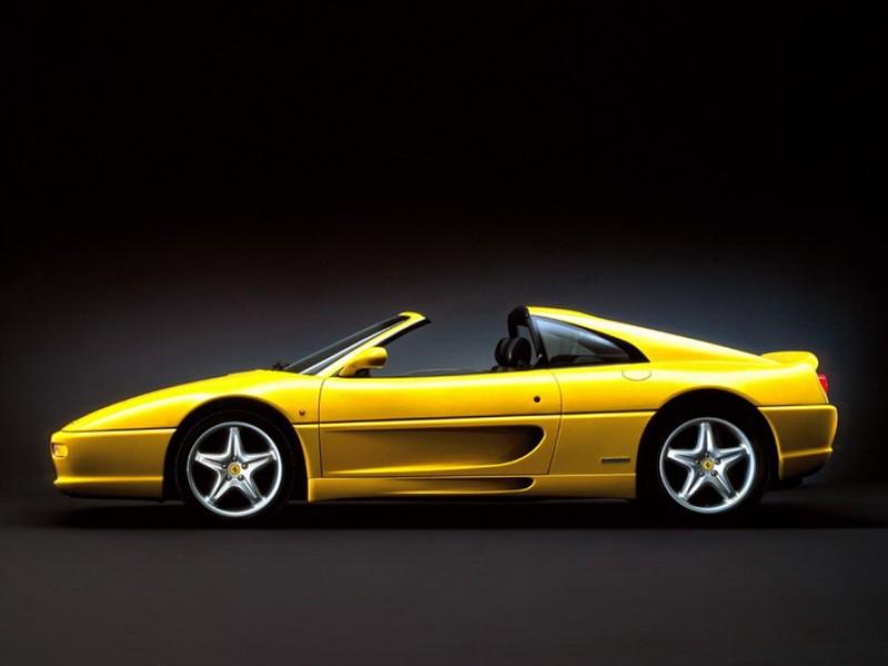 1999年的F355 GTS便是採手動拆卸車頂之車型