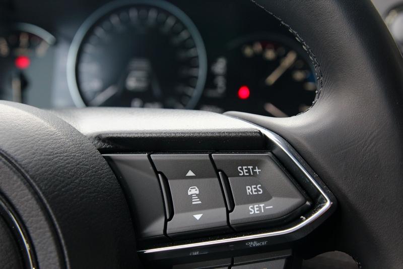 小改Mazda 6導入MRCC全速域系統,可於時速0~145km/h之間作動。