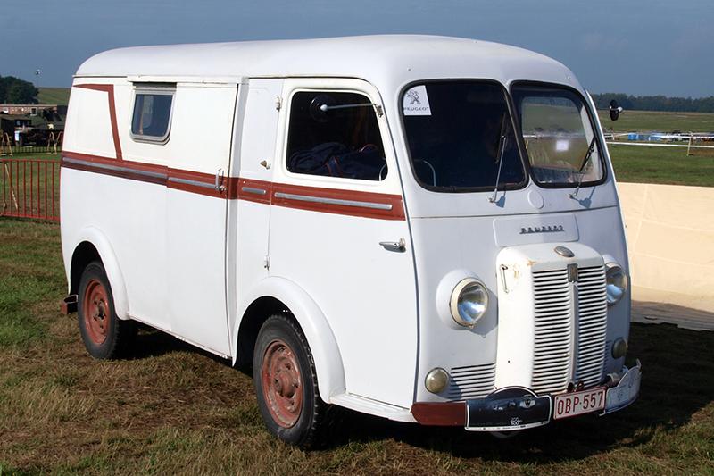 1950年所推出的D3,堪稱PEUGEOT休旅家族的濫觴。