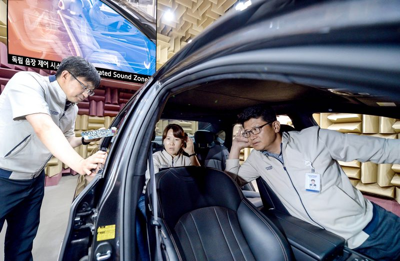 SSZ音響系統可針對車上喇叭依不同需求撥放音源,透過不同喇叭輸出的音頻相互消抵,因此不會影響他人及談話內容。