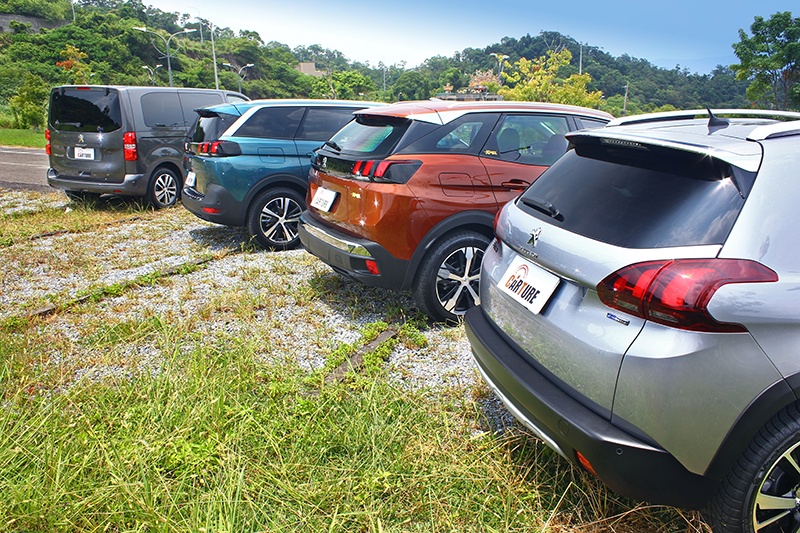 除了功能性至上的TRAVELLER之外,2008 SUV、3008 SUV以及5008 SUV更是迎合消費市場喜好。