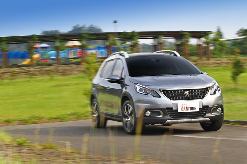 導入國內的2008 SUV均配置最先進的直列三缸1.2L PureTech汽油動力,擁有高達18.5km/L的平均油耗佳績。