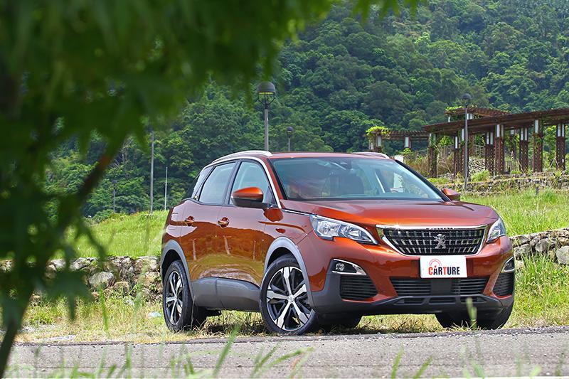 一改初代3008兼容MPV、SUV與Hatchback特質,全新世代3008 SUV改採由以QUARTZ概念車而來的SUV化風格。