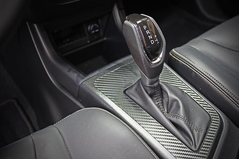 與S3的1,556c.c.自然進氣引擎匹配的是CVT變速系統,頭段(約2,500轉以下)輸出相當輕快,但再多踩難免力有未逮,建議減少大腳油門駕駛習慣。