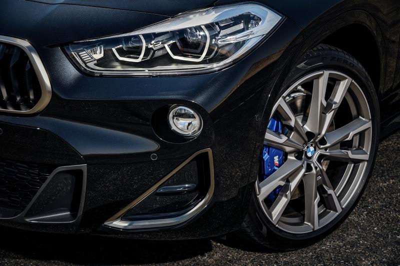 原廠配置19吋輪圈,並提供20吋輪圈作為選配,搭配M Sport專屬套件,不論視覺與操控都能獲得滿足。