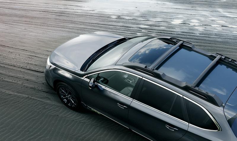於水箱護罩與車側Outback字樣配置黃綠飾條點綴,18吋輪圈與車頂架等也都是X-Break專屬樣式。