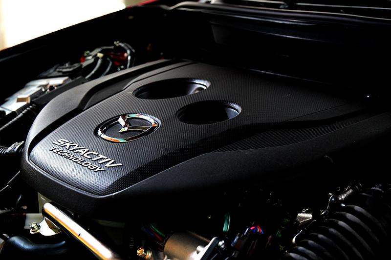 透過加大渦輪與可變幾何渦輪系統,1.8升柴油最大力提升至116hp。
