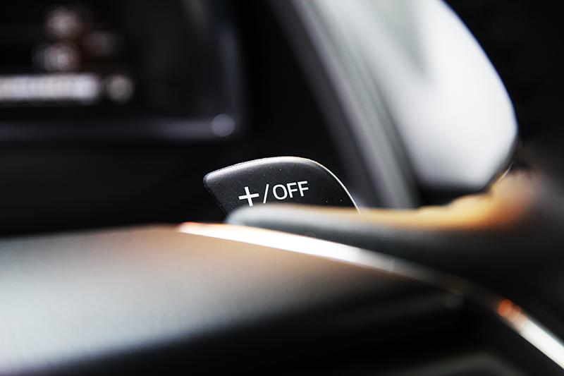 僅柴油車型配置換檔撥片,讓駕馭操控主動權掌握在自己手中。