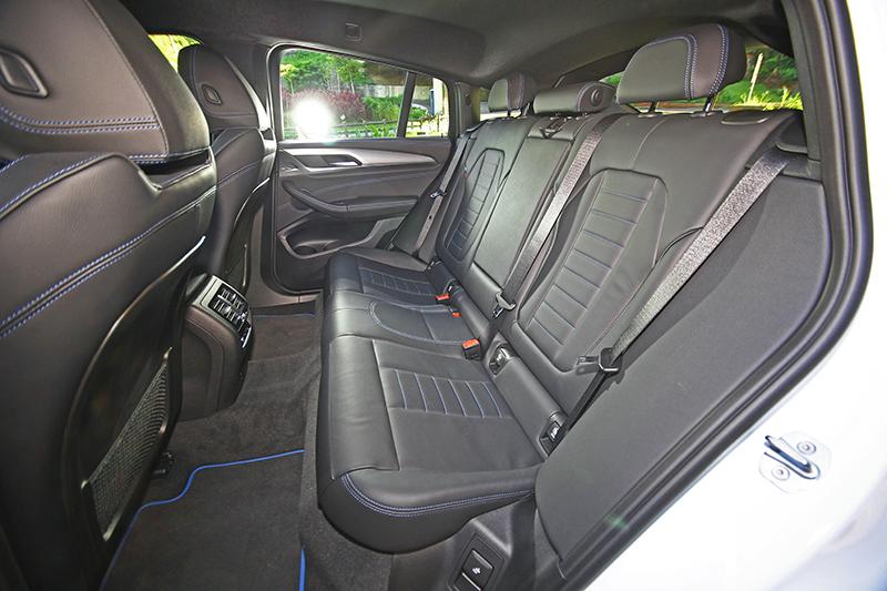 現在X4也擁有舒適寬敞的乘坐空間,用於家庭也相當適合。
