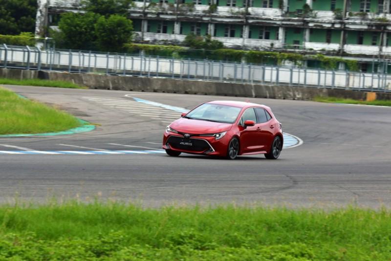 精準的車頭指向加上適切的動力搭配,足以讓Auris晉升Fun Car之列
