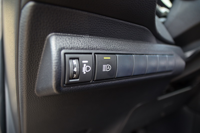 可自動調整遠近燈的AHB智慧型遠光燈,可減少駕駛不少麻煩事