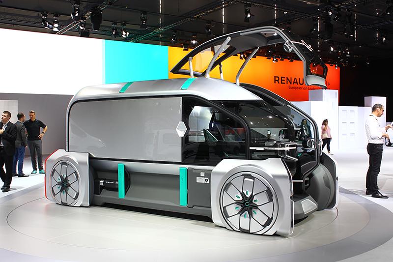 果然大廠風範,現場展出的概念車EZ Pro簡直就是從未來世界穿越而來。