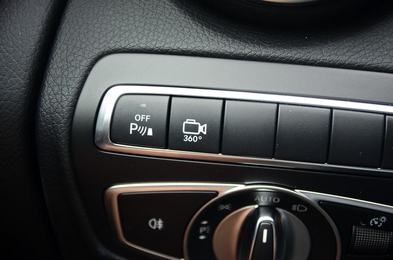 360度環景停車輔助套件設有獨立啟閉按鍵