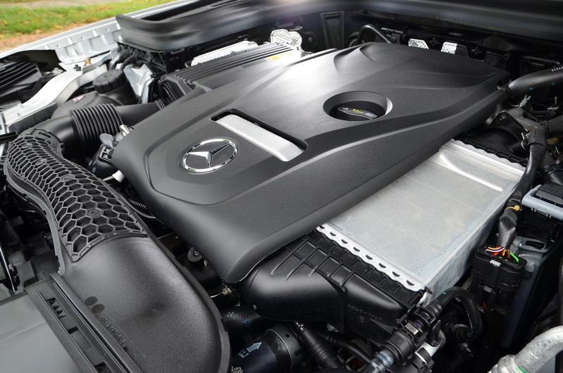 與GLC 250相同的2.0升4缸渦輪增壓引擎,雖然馬力調降但開起來依舊輕快