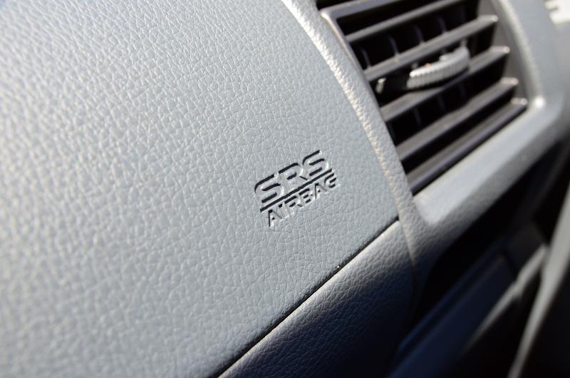 在部分車型上亦可選配雙氣囊。