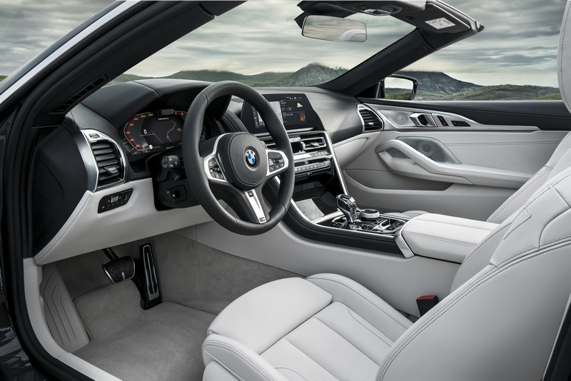 8 Series Convertible座艙不用多說當然有著與Coupe相同的豪華氛圍。