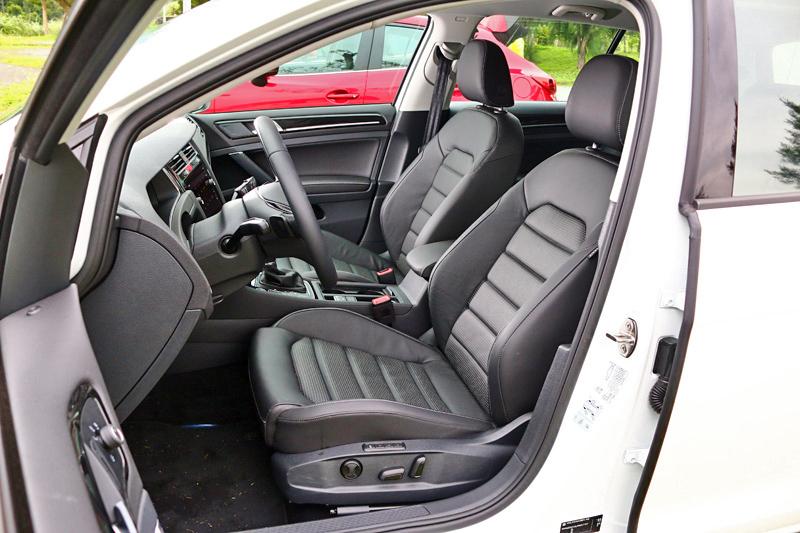 座艙維持Volkswagen的絕佳品質,在同級甚至價位更高的掀背車中幾乎無人能及。