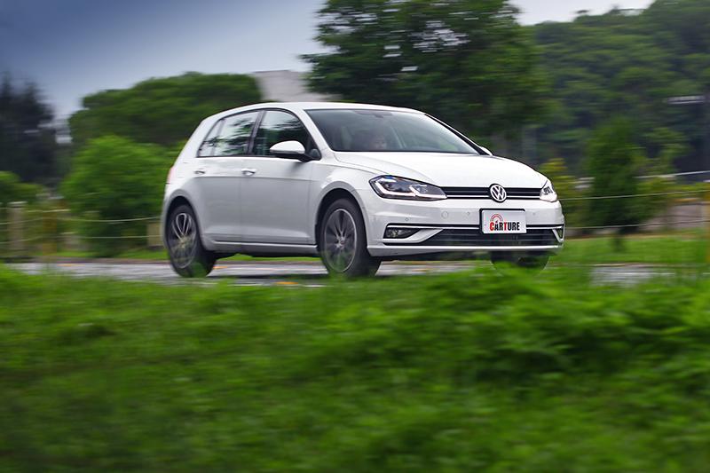 拜MQB底盤之賜,Golf在此次四款車中有著最微細膩沉穩且饒富樂趣的表現。