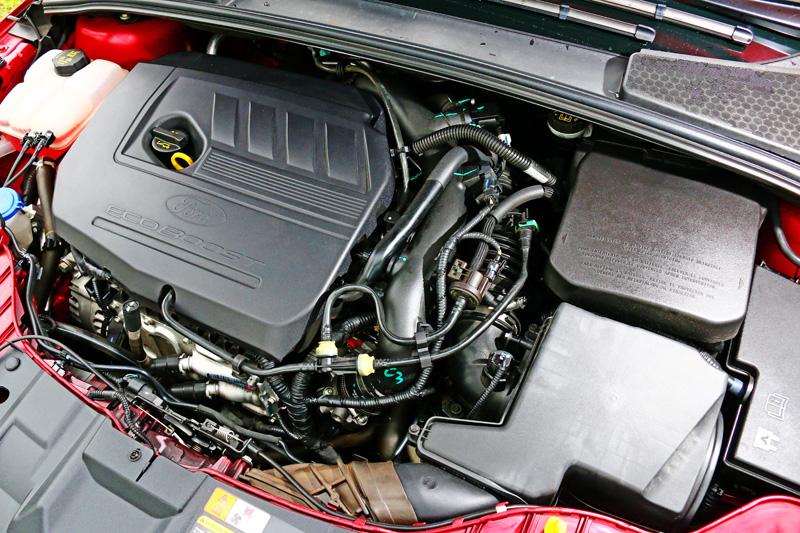 在渦輪增壓推動下180hp/24.5kgm雖稱不上性能,但在該級距中已屬出眾。