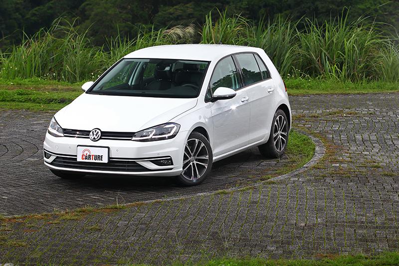 唯一歐洲進口的Golf無論質感與空間都是級距中的佼佼者。