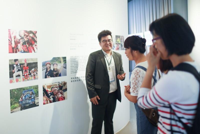 楊文逸先生於今年8月在台中秋虹谷舉辦攝影展