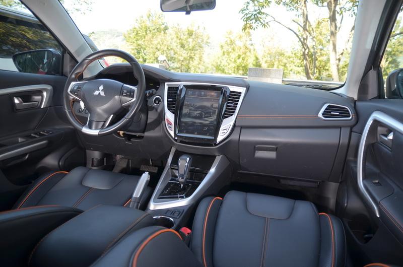 這次的 Grand Lancer工作車是搭載10.4吋大螢幕的新版本